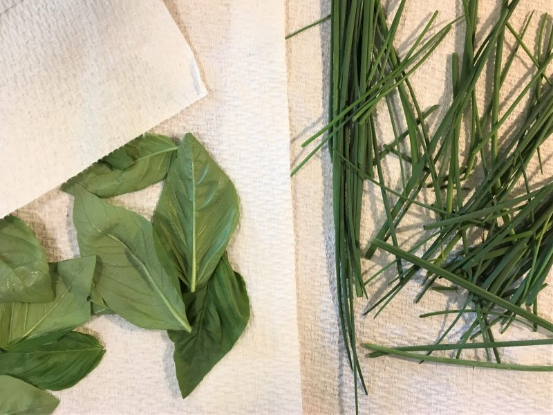 drying herbs, basil, chives, save money, mason jars, desiccant packets, food, dehydrator