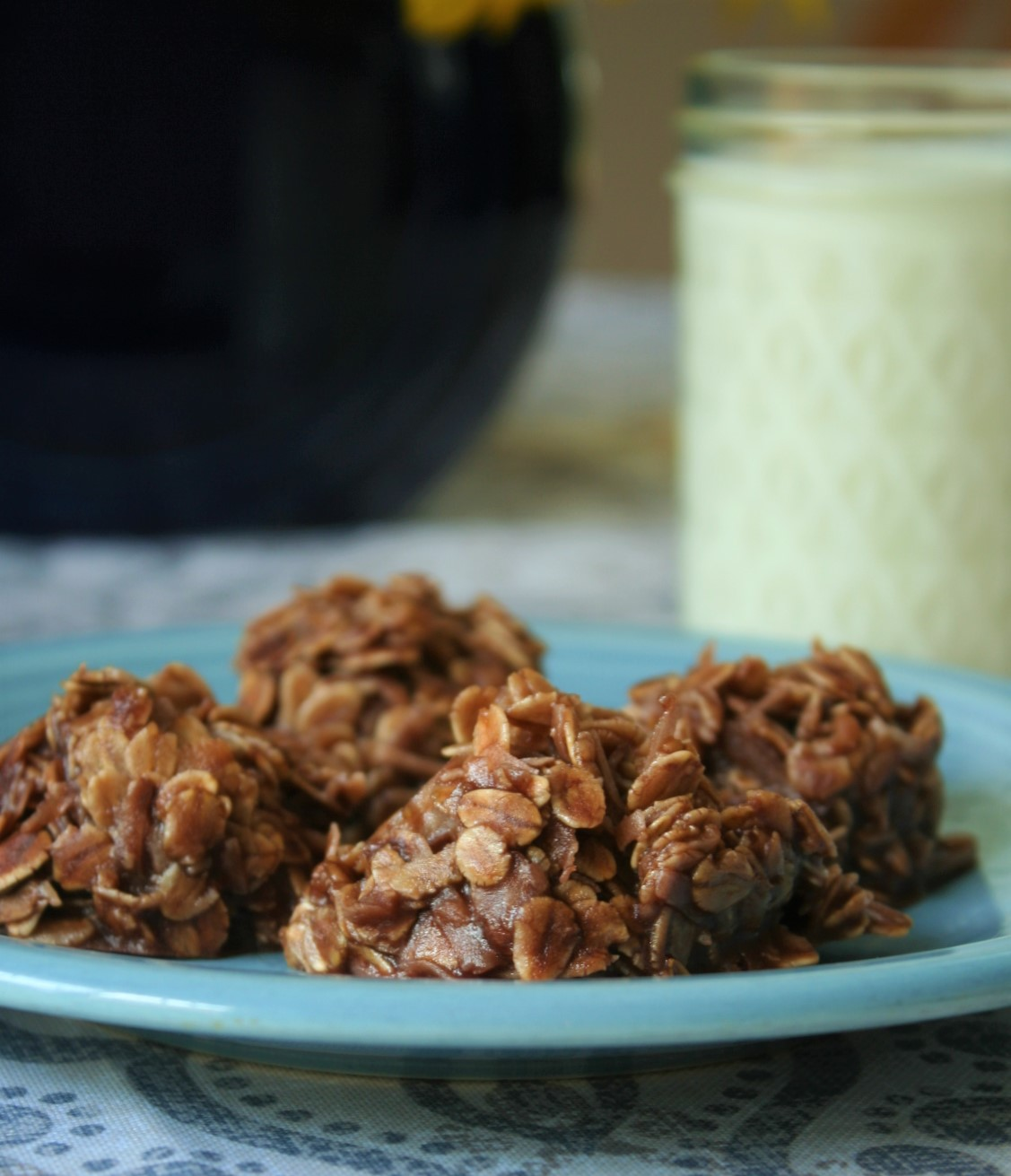 Chocolate No-Bake Cookies, easy recipe, summer, oats, coconut, nuts, chocolate, no-bake